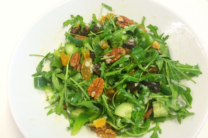 recept lunchsalade met noten en gedroogd fruit