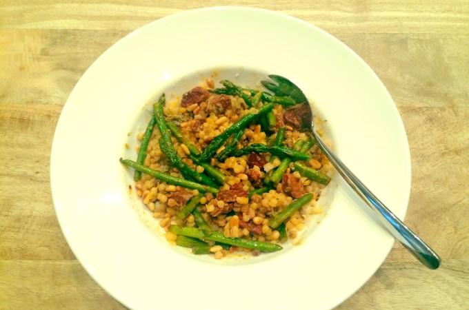 recept Fregola met groene asperges en chorizo