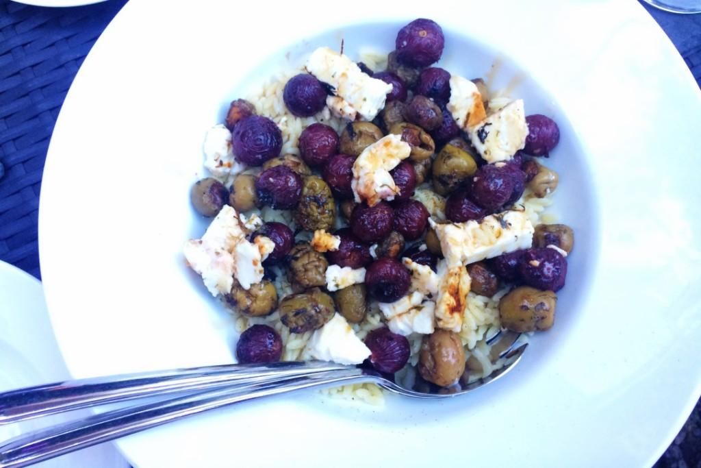gerecht Geroosterde druiven en olijven