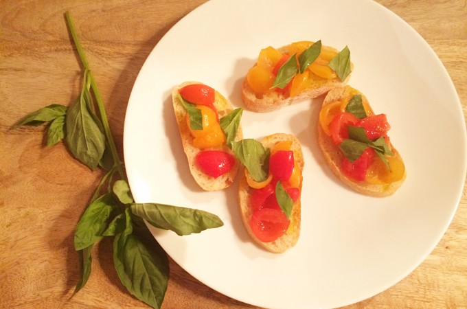 recept crostini met gemarineerde cherrytomaten
