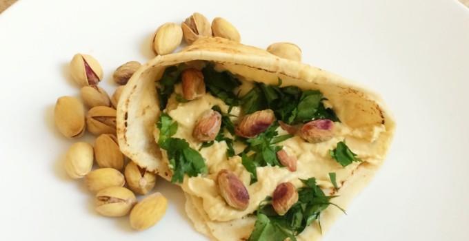 wrap met hummus en pistachenoten